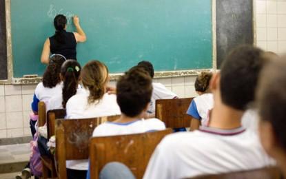 Piso nacional dos professores sobe 8,32%; Estado diz que já contempla novo índice