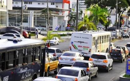 Multas de trânsito ficam mais caras a partir desta terça-feira; veja novos valores
