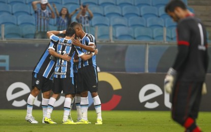Grêmio abusa de chances perdidas, mas elimina Campinense sem sustos