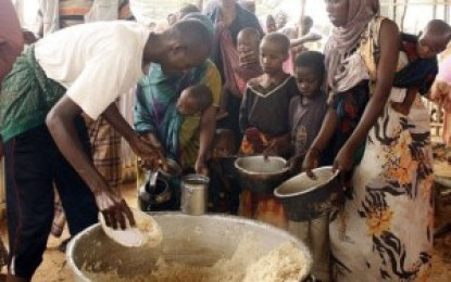 Número de pessoas que passam fome no mundo cai 25% em 25 anos