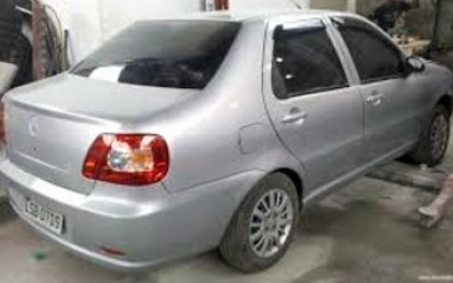 Carro tomado por assalto na cidade de Monteiro