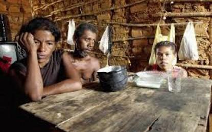 Crise joga 3 milhões de famílias da Classe 'C' de volta à base da pirâmide