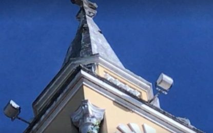Torre de Igreja é danificada em João Pessoa