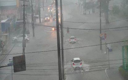 Inmet emite alerta de perigo de acumulado de chuvas para João Pessoa e outros municípios