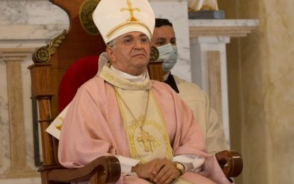 Vídeo: Bispo de CG protesta contra o governador durante missa