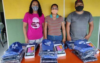 Prefeitura de São Sebastião do Umbuzeiro entrega  tabletes e materiais para os agentes de controle à endemias