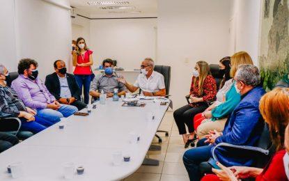 Vacinação contra Covid para professores em João Pessoa ainda não tem data e depende da chegada de novas doses