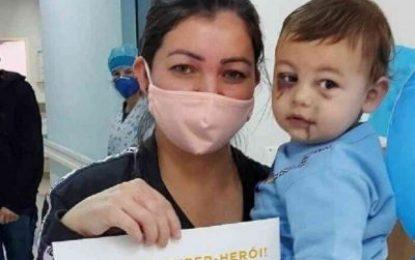 Bebê sobrevivente de ataque a creche em SC tem alta no Dia das Mães