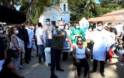 Sem Paes, Queiroga inicia vacinação contra covid em Paquetá e se recusa a falar de CPI
