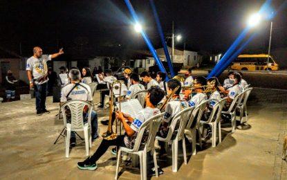 Projeto Jovens Músicos de São Sebastião do Umbuzeiro realiza mais uma belíssima apresentação