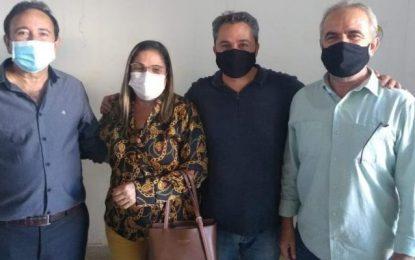 Em visita a Patos, Efraim recebe apoios dos prefeitos de Teixeira, Taperoá e Juru
