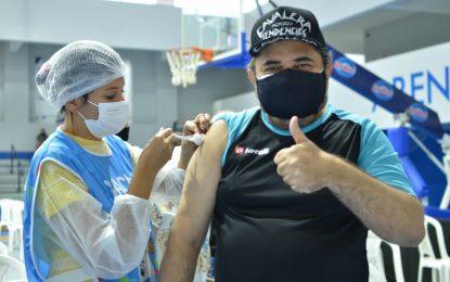 Covid-19: Campina Grande vacina 32+ nesse domingo e 31+ na segunda-feira