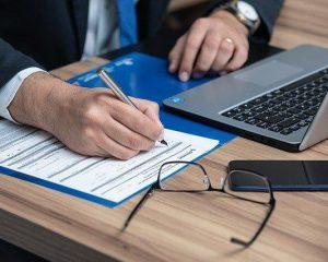 Apesar de OAB ser contra, MEC avalia liberar cursos de Direito 100% online