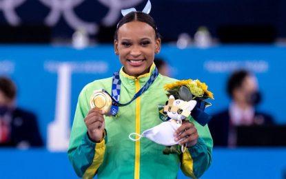 Brasileira salta para o ouro e conquista duas medalhas em Tóquio